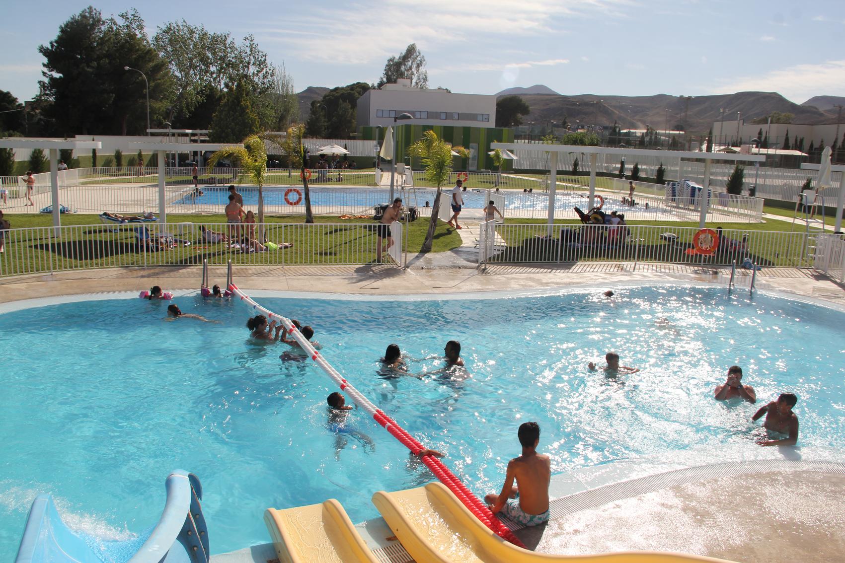 Fotos en piscinas piscina municipal de punitaqui u for Plastico para piscinas naturales